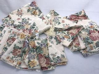 Floral Pattern Tan Table Cloth Set