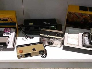 2  Kodak Instamatic   Other Vintage Cameras