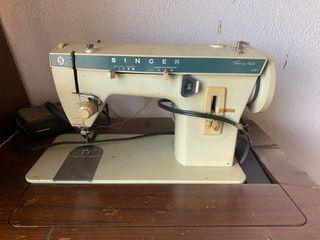 Vintage Singer Fashion Mate 257 Sewing Machine