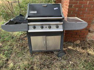 Kenmore Elite 4 Burner Propane Gas Grill