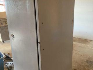 GE 10 1 cu  ft  Upright Freezer