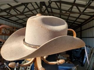 Montecarlo Hat