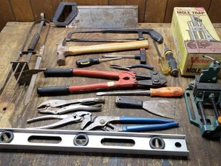 Misc Tools   Bolt Cutters Traps  Vise
