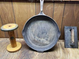 Wagner Cast Iron   Bacon Press   Wood Spool