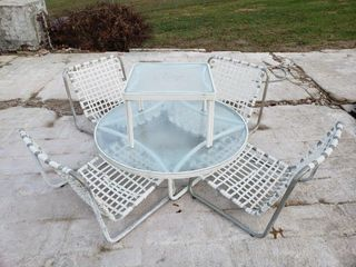 low Profile Poolside lounge Chairs   2 Tables