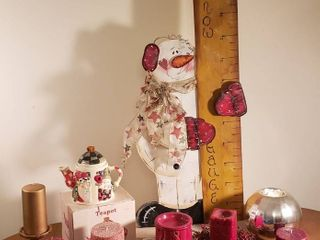 Christmas Snowman Decor   Wood Decor  Tea Pot  Candles and Scent Warmer   Tote Included with lot