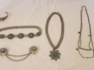 Silvertone Costume Jewelry   necklaces  Collar clip set and Bracelet