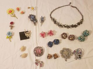 Costume Jewelry  Necklace  Earrings  Brooches and Pins