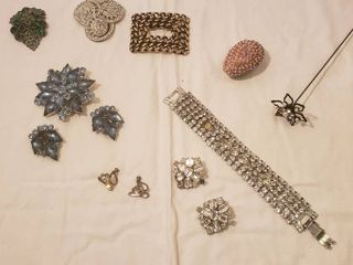Rhinestone Costume Jewelry  Earrings  Brooch Set  Hair Pin  missing 2 pearls  and Bracelet  missing one rhinestone