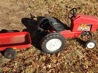 Power Pull Metal   Plastic Pedal Tractor and Trac Mate Trailer