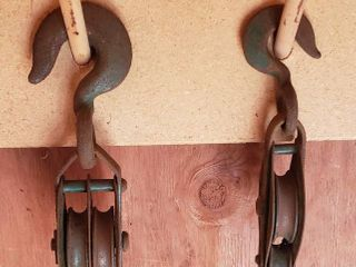 2 Metal Rope Pulleys   Double  9 5 in  long   Single  8 in  long