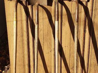 4 long Handle Shovels