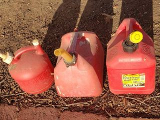 3 Small Plastic Gas Cans   1 25  2 and 2 5 Gals