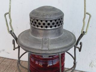 Adlake Red Globe Pennsylvania RR Railroad Train lantern Oil lamp Kero Fluid light   10 in  tall