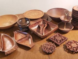 Kitchen Turned Wood Serving Dishes  Carved Trivets  and 2 lazy Susan s
