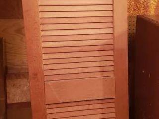louvered Wood Door   20 x 80 x 1 5 in  deep