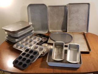 Metal Baking Pans   Various Sizes