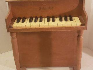 Vintage Schoenhut Childs Toy Piano Upright  Works  25 Keys