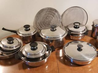 Set of Homemakers Guild Pots   Pans  Skillet  Pan Covers  Tea and Coffee Pots