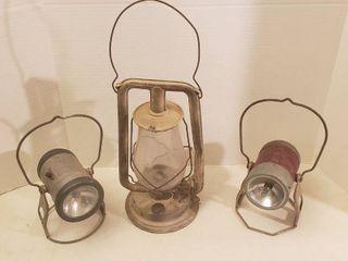 Vintage Keeosene lantern and 2 Battery Operated RR lanterns