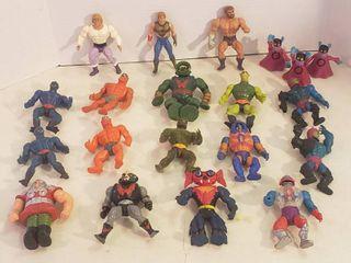 20 Action Figurines
