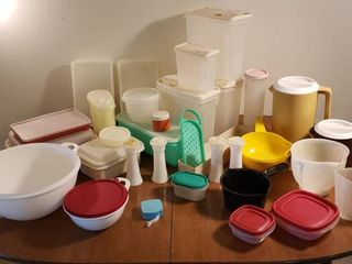 Kitchen Plastic Ware   Tupperware  Rubbermaid and others