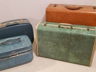 4 Pieces of Hard Side luggage   Mixed Brands
