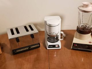 Chicago Cutley   Block  Toastmaster Toaster  Mr  Coffee Accel 4 cup and Hoover Blender   All Appliances powers on