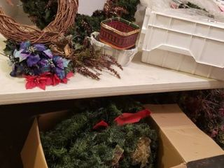 Christmas Decorations  large lighted Wreath  more Wreaths  and Garland   includes 1 Flip Top Tote