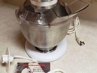 Kitchen Aid Mixer w Attachments   works