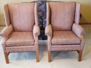 Pair of Thomasville Striped Wing Backed Chairs   29 x 26 x 39 in  tall   Seat  18 in