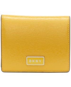 Dkny Gigi leather Flat Wallet Retail   69 99