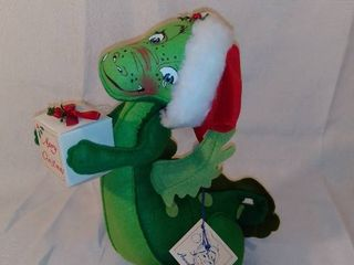 Annalee Doll Society 1990 Christmas Dragon with Present Doll