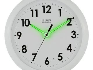 la Crosse Illuminated 10 Inch White Quartz Analog clock