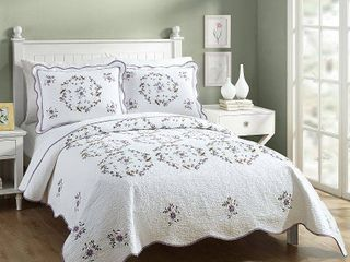 Gwen Queen 3 piece Quilt Set