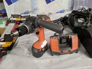 RIGID 14 4v CORDlESS DRIll WITH BATTERY AND CHARGER