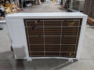 NEW lG 12 000 BTU 17 SEER Ductless Heat Pump Air Conditioner Condenser  MINOR FREIGHT DAMAGE