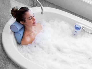 Home Spa Jacuzzi Bath Set  Retail 105 49