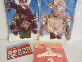 Muffy VanderBear    2  Outfits  Hangers and Stickers