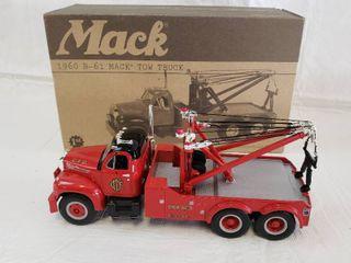 First Gear 1960 B 61 Mack Tow Truck Die Cast   Model Chicago Fire 19 2234