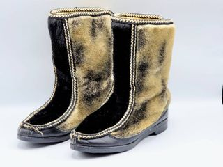 Vintage 1960 s 1970 s Mid Century Apres Ski Snowland Fleece lined Faux Fur Boots Womens Size 9   excellent condition