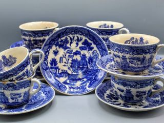16 Pc Vintage Blue Willow China Tea Cups and Saucers   JAPAN