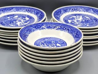 20 Pc Vintage Blue Willow China Bowls and Plates