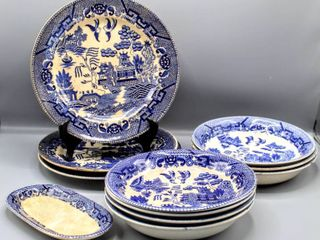 11 Pc Vintage Blue Willow China   Plates  Bowls   Butter or Beets Serving Dish