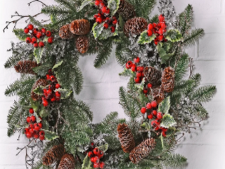 Natural Frost Un lit Plastic Artificial Wreaths 24  Ice Sequin Pine Berry Holly Wreath