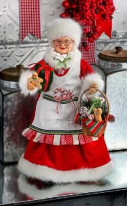 16  Candy Kitchen Mrs  Claus w Basket