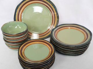 18 Pieces   Tabletops Gallery Dishes Hand Crafted   Painted   Including a 14  Platter