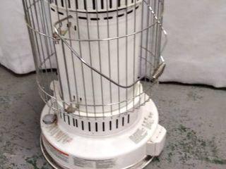 DuraHeat Model DH 2304   Portable Kerosene Heater