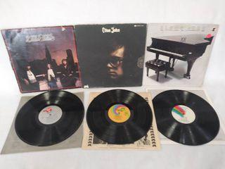 2 Vintage Elton John Albums   Bonus   Bee Gees lP