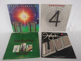 4 Vintage Albums   Earth  Wind   Fire  Foreigner  ZZ Top    Foghat